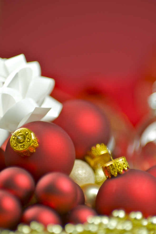 red ornaments_bow_f4ca7d017b2